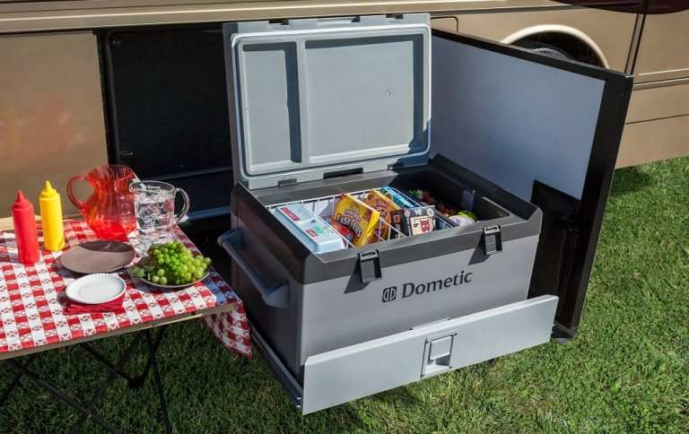 12 volt camping fridge